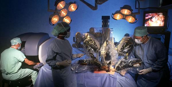 Robot operisao pacijenta
